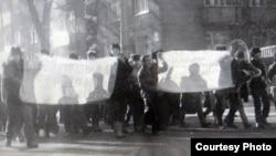 Демонстрация молодежи в Алматы в декабре 1986 года. Архивное фото.