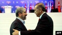 خالد مشعل در کنار رجب طیب اردوغان ۳۰ سپتامبر