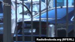 6 червня 2018 року. Автомобіль народного депутата Ігоря Кононенка біля одного зі столичних бізнес-центрів