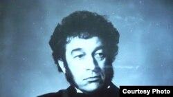 Владислав Букреев на Международном фестивале двойников. Ленинград, 1990 год. Фото из его личного альбома.