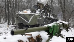 Українські бійці на позиції неподалік Світлодарська Донецької області, архівне фото