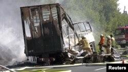Пожежники на місці аварії, Німеччина, 3 липня 2017 року