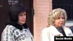 Qırım, Aqmescit (soldan sağğa) Ukraina Yuqarı Radasınıñ insan aqlarından vekâletlisi Valeriya Lutkovskaya ve Rusiye ombudsmeni Tatyana Moskalkova vekillerinen, 2016 senesi dekabr 26 künü