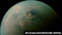 Сатурндун табигый жандоочусу Титан.