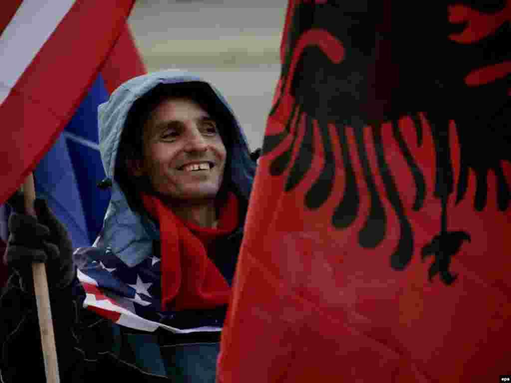 В Косово празднуют годовщину независимости