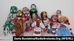 Народні ляльки, зроблені дітьми з різних куточків України