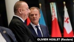 Azərbaycan Prezidenti İlham Əliyev və Donald Tusk, arxiv fotosu