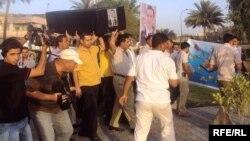 صحفيون يشيعون زميلاً لهم في بغداد