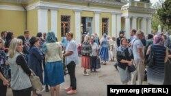 Проститься с Дмитрием Слизовским пришло более 50 человек