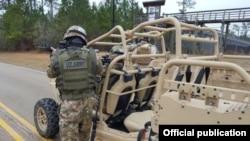 Военнослужащий сил специальных операций Минобороны Узбекистана в ходе совместного учения «Южный удар».