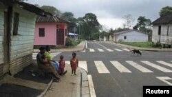 نگرانیهایی از بازگشت احتمالی ابولا در گینه (در تصویر) سیرالئون و لیبریا مطرح شده است
