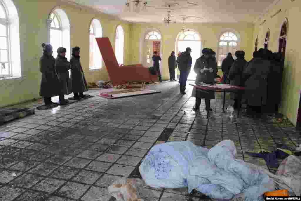 Для урегулирования конфликтной ситуации в Куршаб в срочном порядке прибыли представители кыргызской и китайской стороны