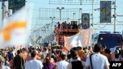 Парад в городе Блэкпул по случаю выхода клуба в премьер-лигу. 24 мая 2010 года.