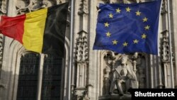 Статуя Шарлеманя (Карла Великого) на мерії бельгійського міста Мехелен (@Shutterstock)