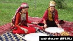 Aşgabat, Gurbanlyk görnüşlerinden bir pursat.