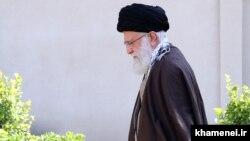 رهبر جمهوری اسلامی در سه دهه گذشته لقب «حزباللهی» را برای توصیف، برجستهسازی و جذب نیروهای وفادار به خویش در اقشار مختلف جامعه به کار میبرد.