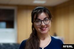 Валерія Чернак з ентузіазмом і вивчає українську мову, і проводить практичні заняття для студентів