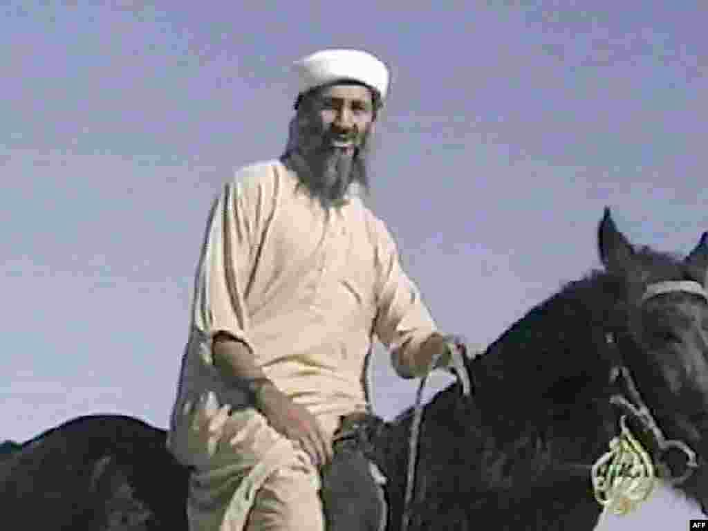 Osama bin Laden, Afganistan, 1998. Foto: AFP / Al Jazeera