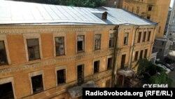 Історичний будинок на вулиці Грушевського, 4б у Києві