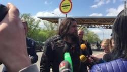 Російський байкер «Хірург» журналісту «Белсату»: «Вали звідси!» (відео)