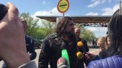 Александр Залдостанов Брестда журналистлар саволига жавоб бермоқда