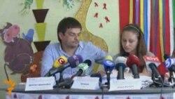 Українські діти просять Януковича врятувати життя