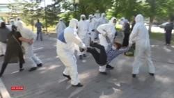 «Безмолвная» акция матерей закончилась задержаниями