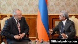 Armenia - President Serzh Sarkisian (R) meets with Aleksandr Fomin, director of Russia's Federal Service for Military-Technical Cooperation, in Yerevan, 14Aug2013.