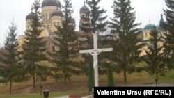 La Mînăstirea Hâncu