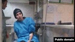 آرش صادقی در زمان اعتصاب غذا،عکس آرشیوی است