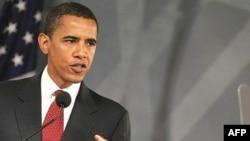 باراک اوباما در صورت برنده شدن در انتخابات، اولين رييس جمهوری سياهپوست آمريکا خواهد بود.
