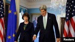 Catherine Ashton dhe John Kerry