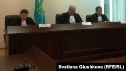 Заседание по рассмотрению жалоб адвокатов Курамшина в Верховном суде. Астана, 25 ноября 2013 года.