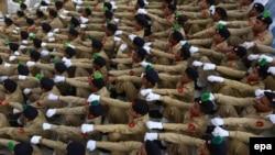Пакистандын жоокерлери аскерий парадда. 2015-жылкы сүрөт.