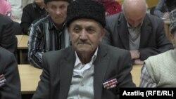 Шукри Ахтемов, яндырылган авылда исән калганнарның берсе