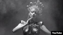 """Кадр из клипа группы """"Бегомот"""" Blow Your Trumpets Gabriel"""