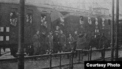 Поезд с российскими беспризорными детьми на железнодорожной станции Острава. Декабрь 1921 года. Фотография Международного комитета Красного Креста из архива Анны Хлебиной