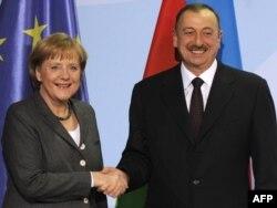 Almaniya - Merkel və Əliyev