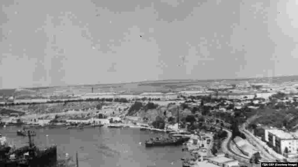 Южная бухта в объективе оперативников КГБ во время слежки за Жульеном Галеотти