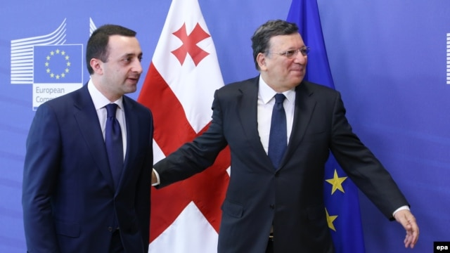 European Commission President Jose Manuel Barroso (right) welcomes Georgian Prime Minister Irakli Garibashvili at the EU Council headquarters in Brussels on May 21.