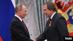 Владимир Путин и Сергей Ролдугин, сентябрь 2016 года
