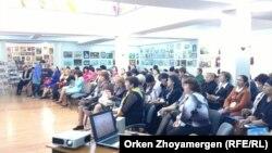 Орыс тілі семинарына қатысушылар. Астана, 16 қыркүйек 2013 жыл
