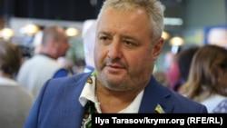 Батько захопленого Росією українського співробітника СБУ Віктор Сорока в аеропорту «Київ» («Жуляни»)