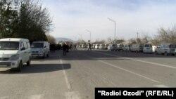 Пустые дороги в Кулябе 3 марта