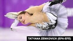 Олимпийская чемпионка фигуристка Алина Загитова, выступающая в команде олимпийских атлетов из России. 21 февраля 2018 года