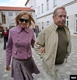 Вацлав Гавел и его супруга Дагмар