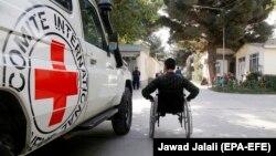 (ICRC) میگوید، کشوریکه در آن افراد مسلح به شفاخانهها حمله میکنند، هیچ چانس برای ارائه خدمات با کیفیت صحی به مردم خود ندارد.