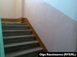 Лестница дома, признанного аварийным