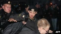 """Задержание активиста """"Солидарности"""", участвовавшего в несанкционированной акции в Москве"""