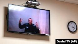 Алексеј Навални на видео врска на едно од судењата